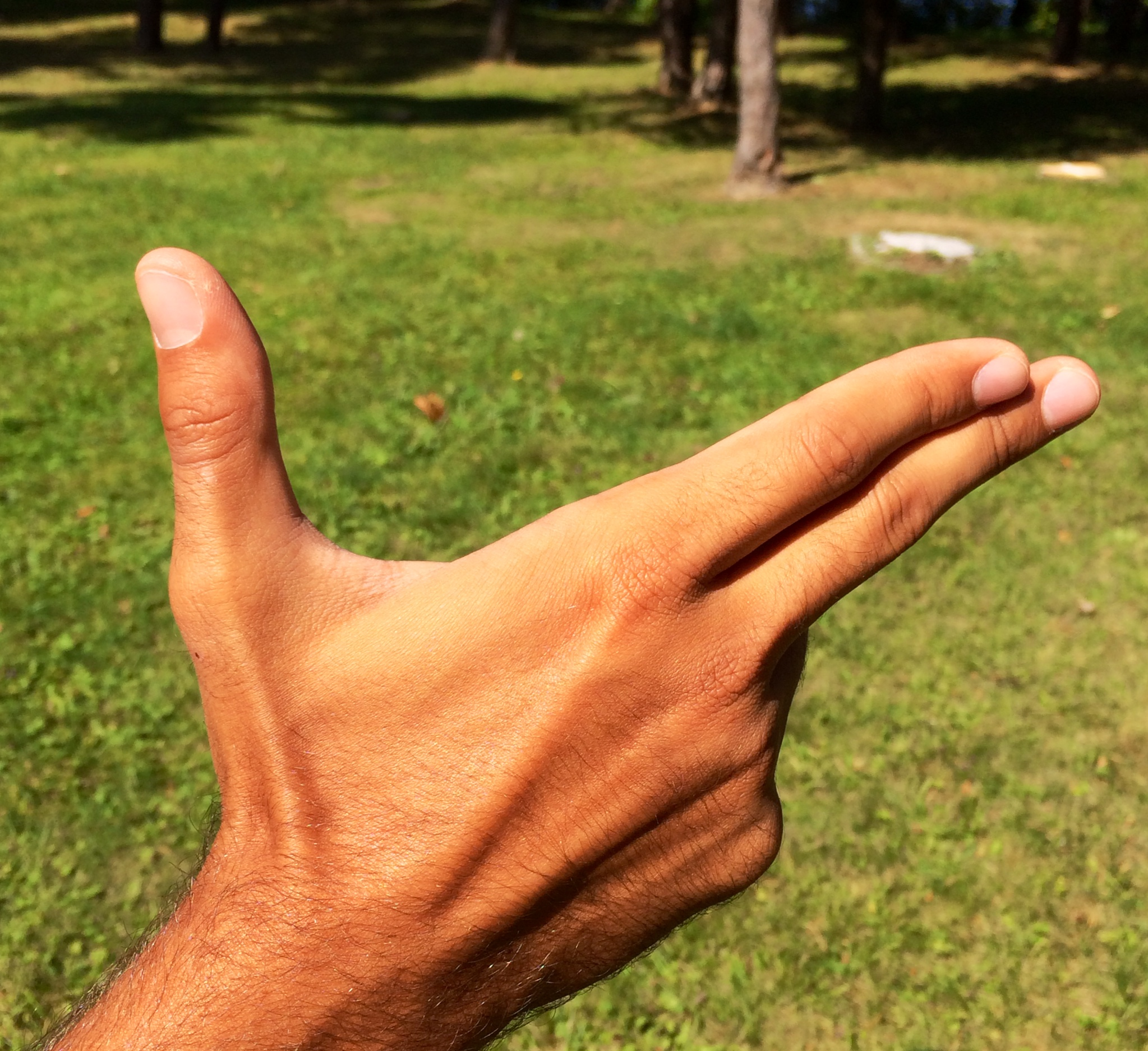 How to hold a forehand